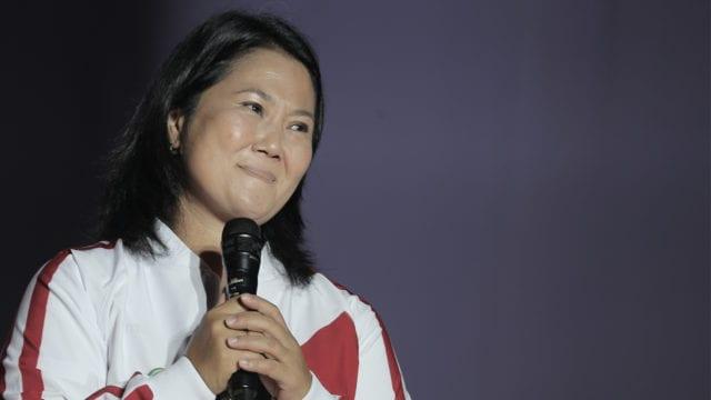 Fujimori con leve ventaja, según sondeo de salida
