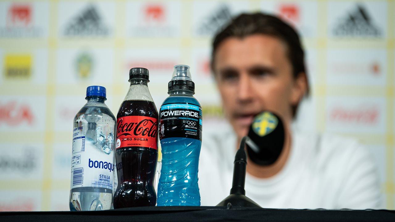 UEFA debe defender a patrocinadores ante gestos de Ronaldo y Pogba: analistas