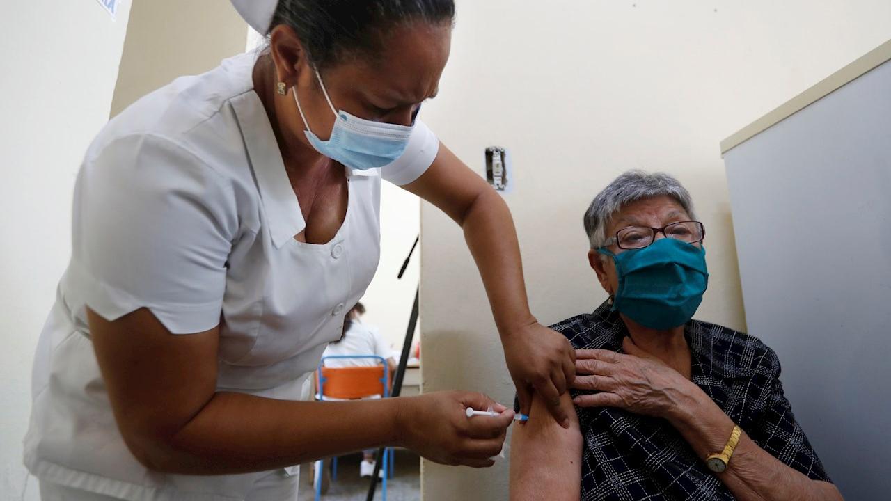 Candidata a vacuna cubana Abdala muestra 92% de eficacia en ensayos clínicos
