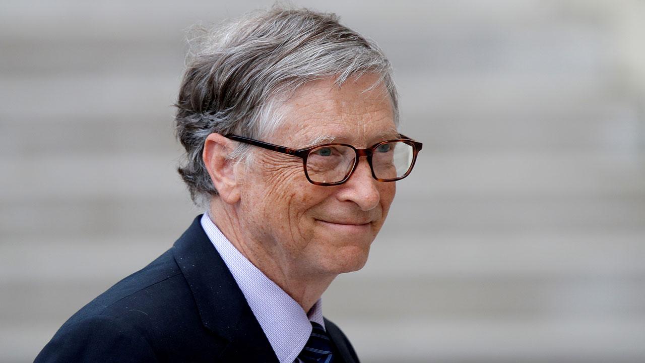 Gates promete 1,500 mdd para tecnología de reducción de emisiones en EU