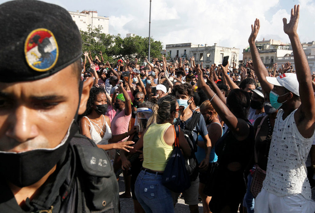 Cuba Protestas People react during protests against and in support of the government, in Havana
