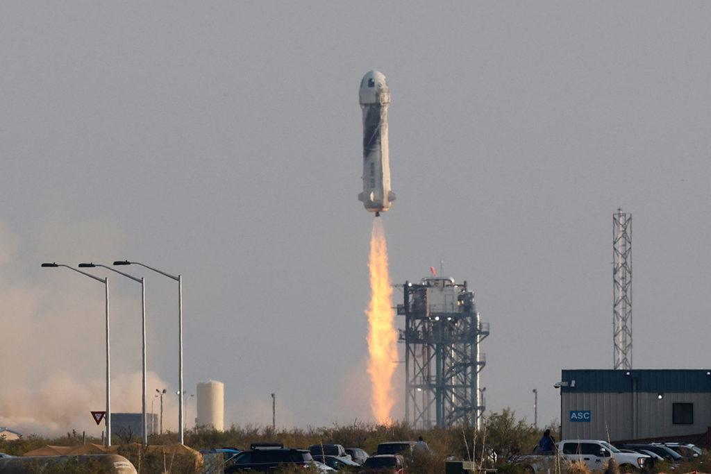 Jeff Bezos Blue Origin's New Shepard rocket