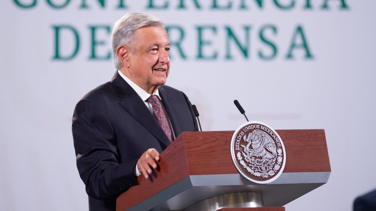 AMLO ofrece avión presidencial a Aeroméxico para viajes ejecutivos o fiestas