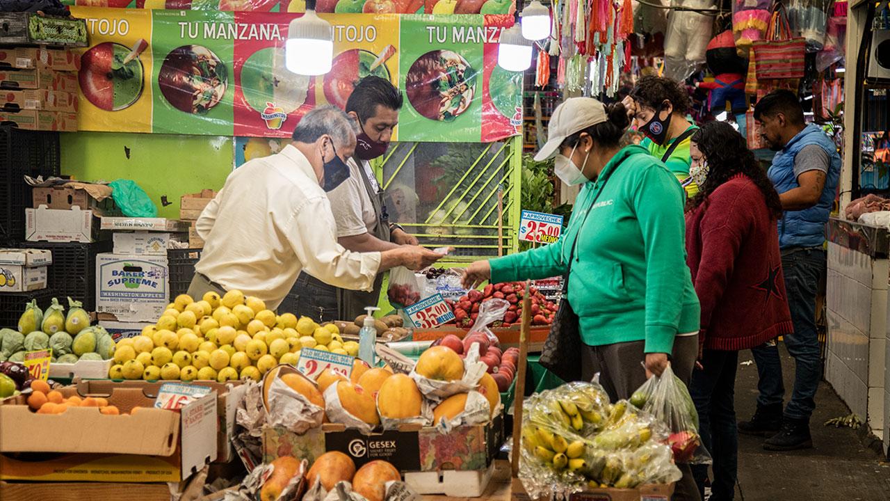 Mercado Pago quiere digitalizar pagos de tianguis y mercados de la CDMX