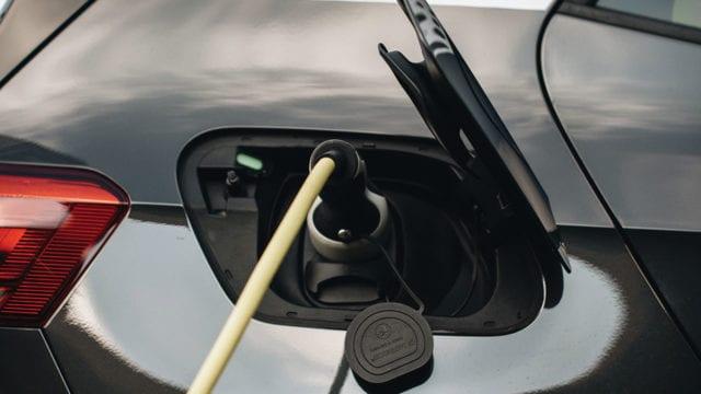 La otra carrera de los autos eléctricos (P-W pag.70-74)