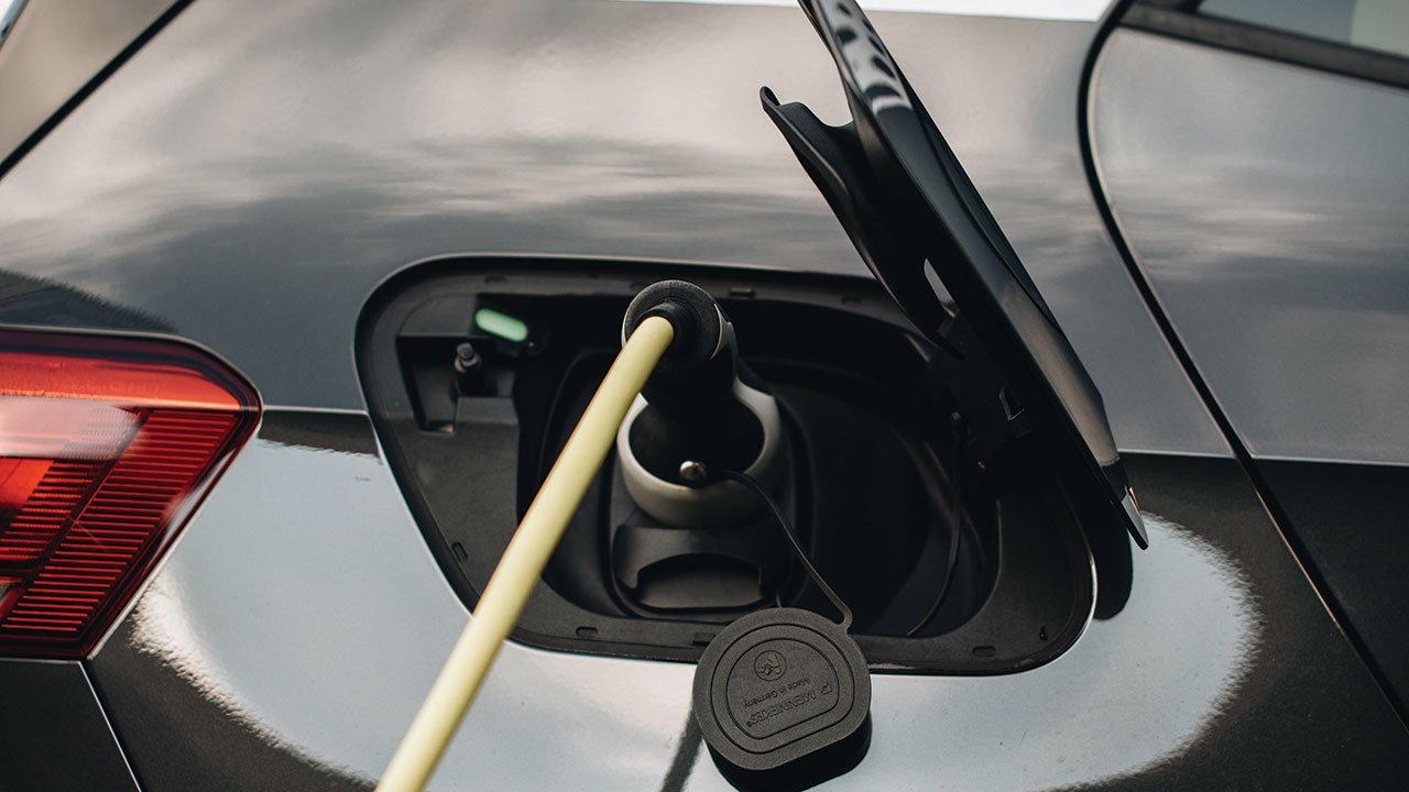 La otra carrera de los autos eléctricos