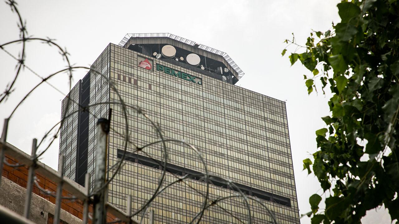Sindicato de Pemex logra aumento salarial y de prestaciones