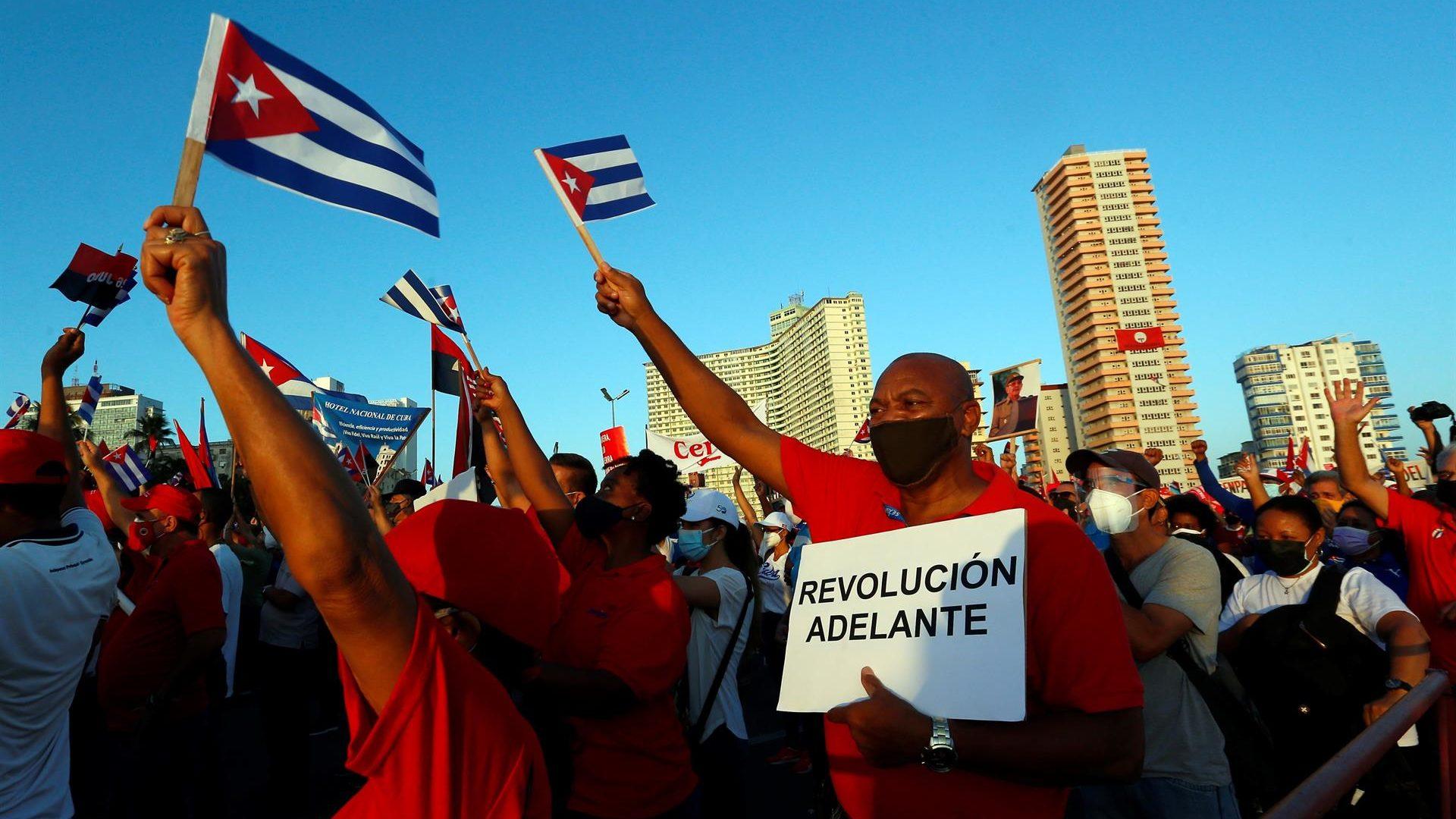 Biden debe tomar decisión humanitaria sobre embargo a Cuba: AMLO