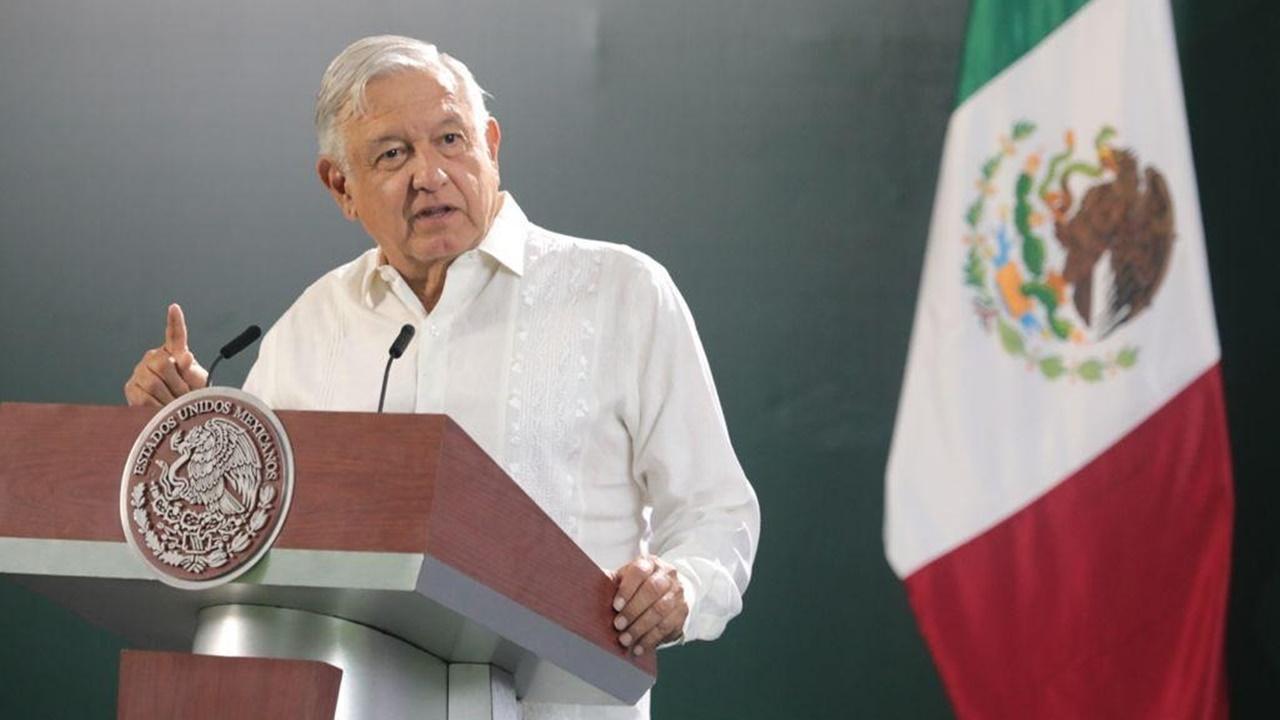 López Obrador urge a jóvenes a moderarse ante contagios de Covid-19