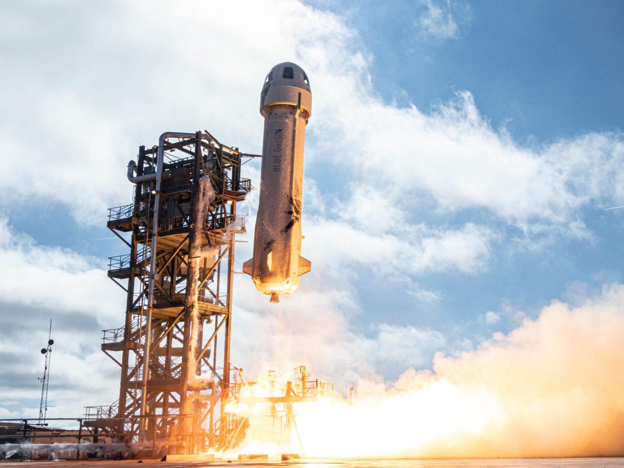 El 'capitán Kirk' viaja al espacio (de verdad) de la mano de Bezos