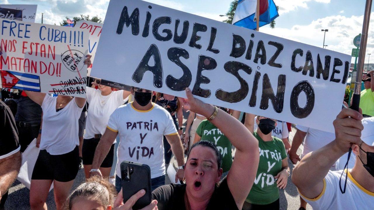 EU anunciará pronto medidas iniciales tras las protestas en Cuba: funcionarios