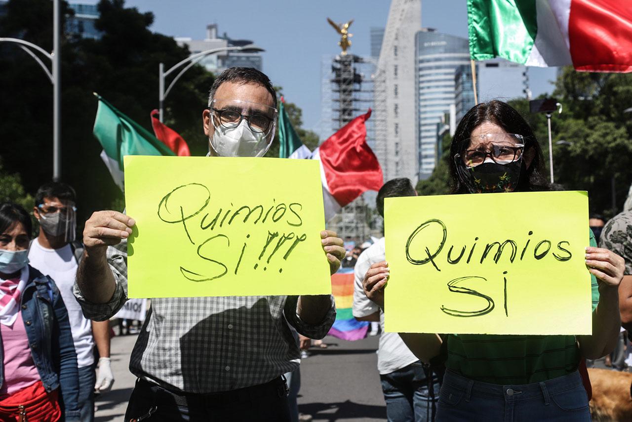 Fotogalería: Familias de niños con cáncer marchan contra escasez de medicinas