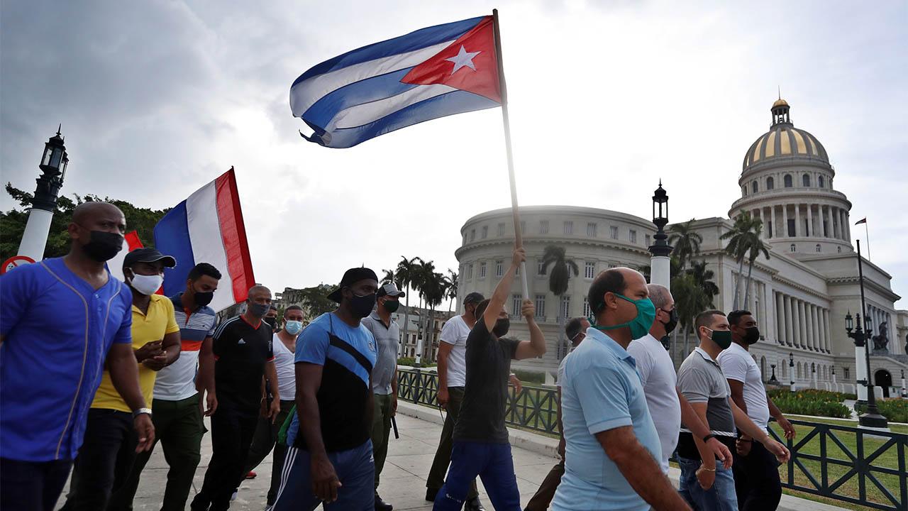 Cuba denuncia agresión de EU por enmienda para dar Internet a la isla