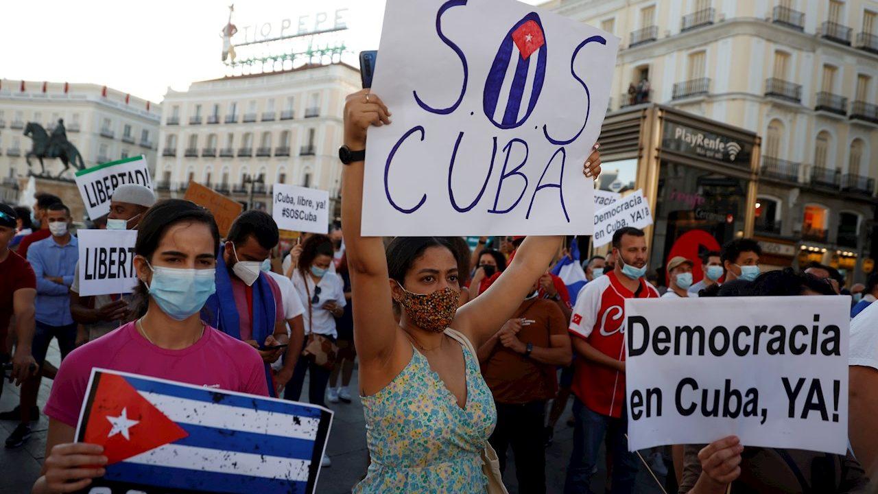 Cuba culpa al bloqueo de EU por las protestas; Biden pide escuchar al pueblo