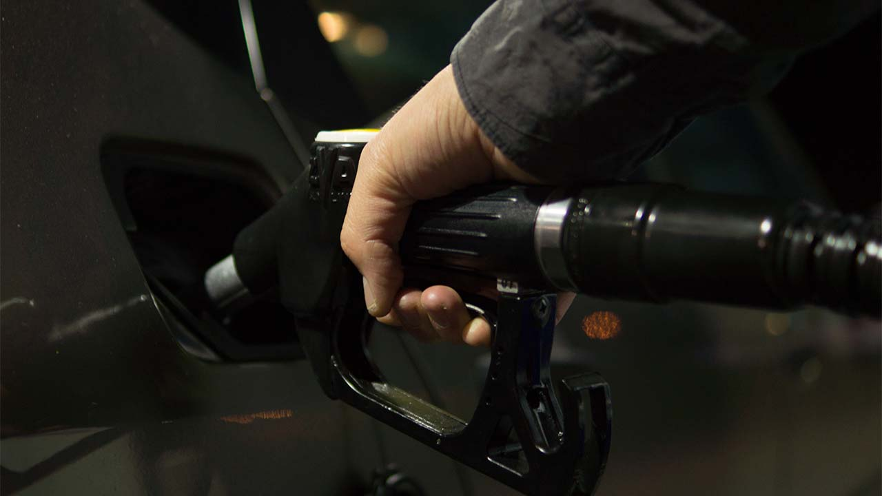 Compras de pánico vacían 90% de gasolineras en ciudades británicas