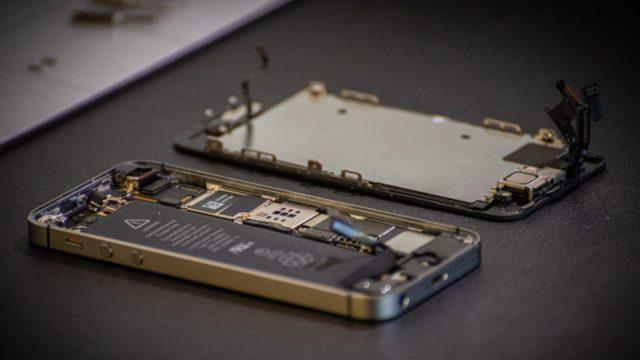 Países de UE buscan que Apple y Samsung reparen teléfonos de hasta 6 años de antigüedad