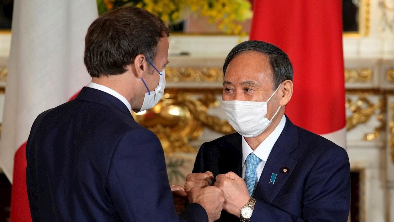 Por Covid y Juegos Olímpicos, japoneses reprueban a su primer ministro