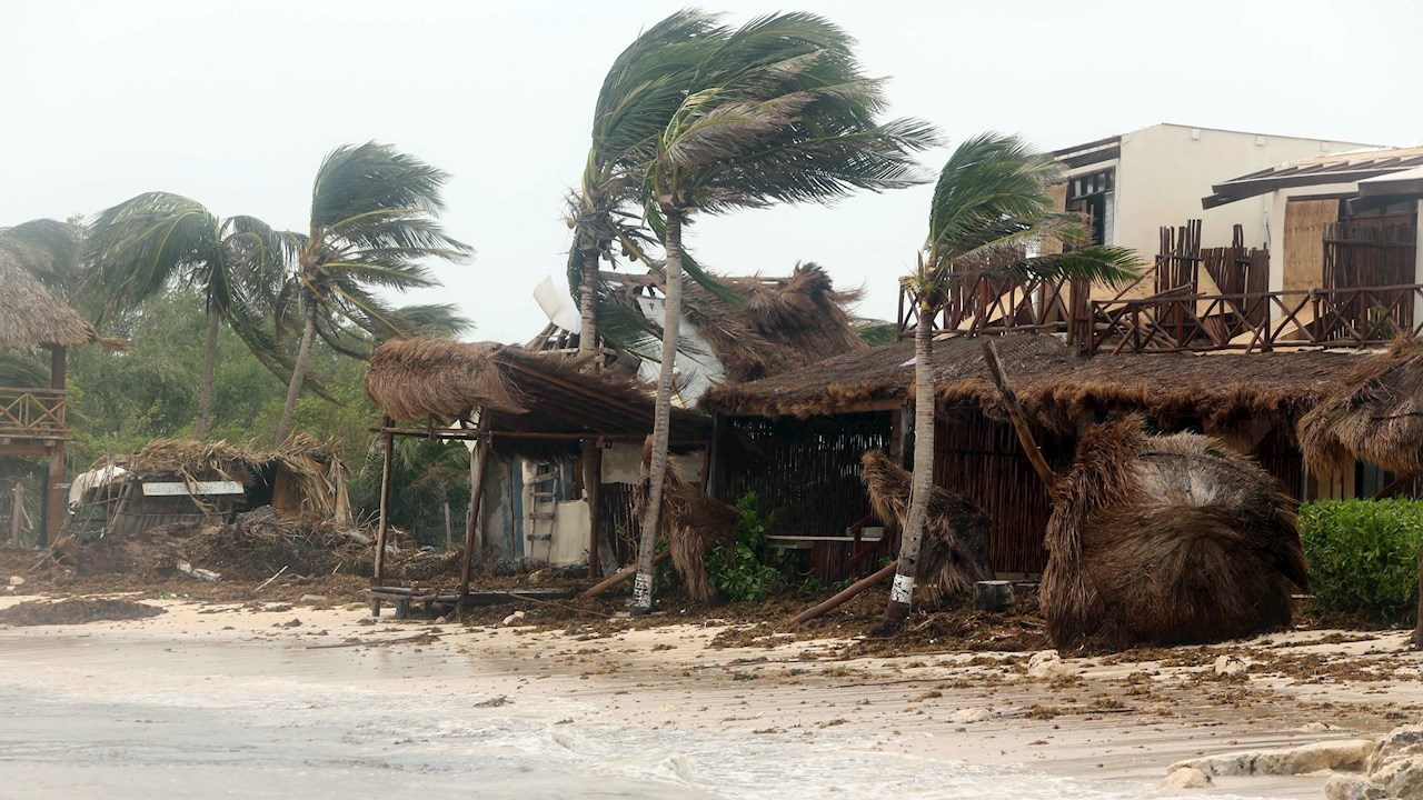 Grace podría intensificarse a huracán categoría 2 esta tarde
