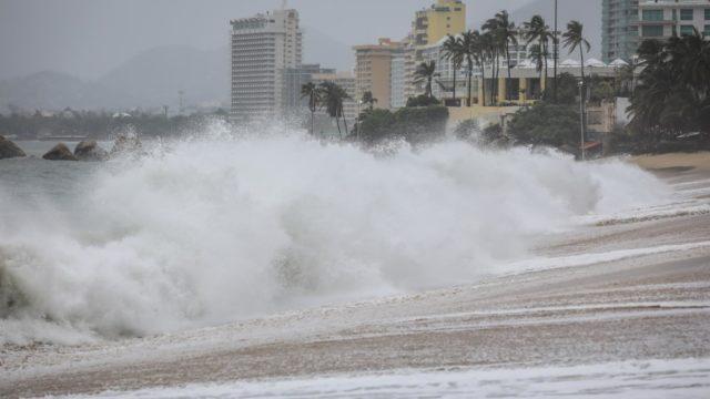 Efectos del huracán Nora en costas de México. Foto: EFE