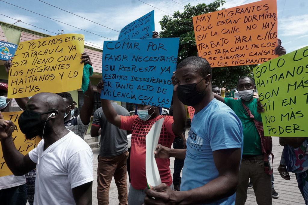 Migrantes haitianos varados en el sur de México exigen agilizar trámites de refugio