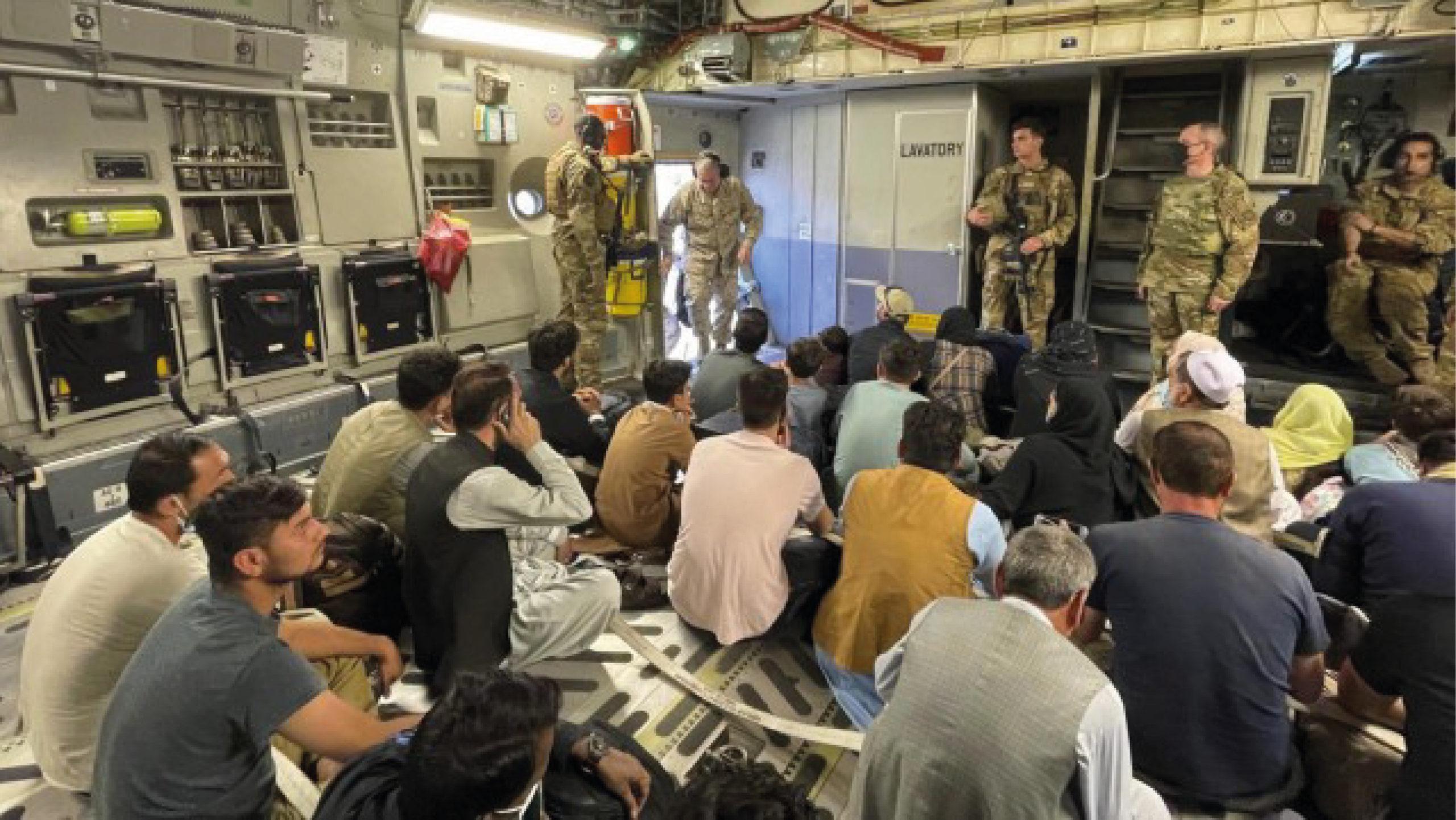 Prioridad en Afganistán es evacuar a quien merece ser evacuado: Harris