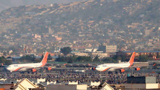Afganistán talibanes vista aeropuerto Kabul