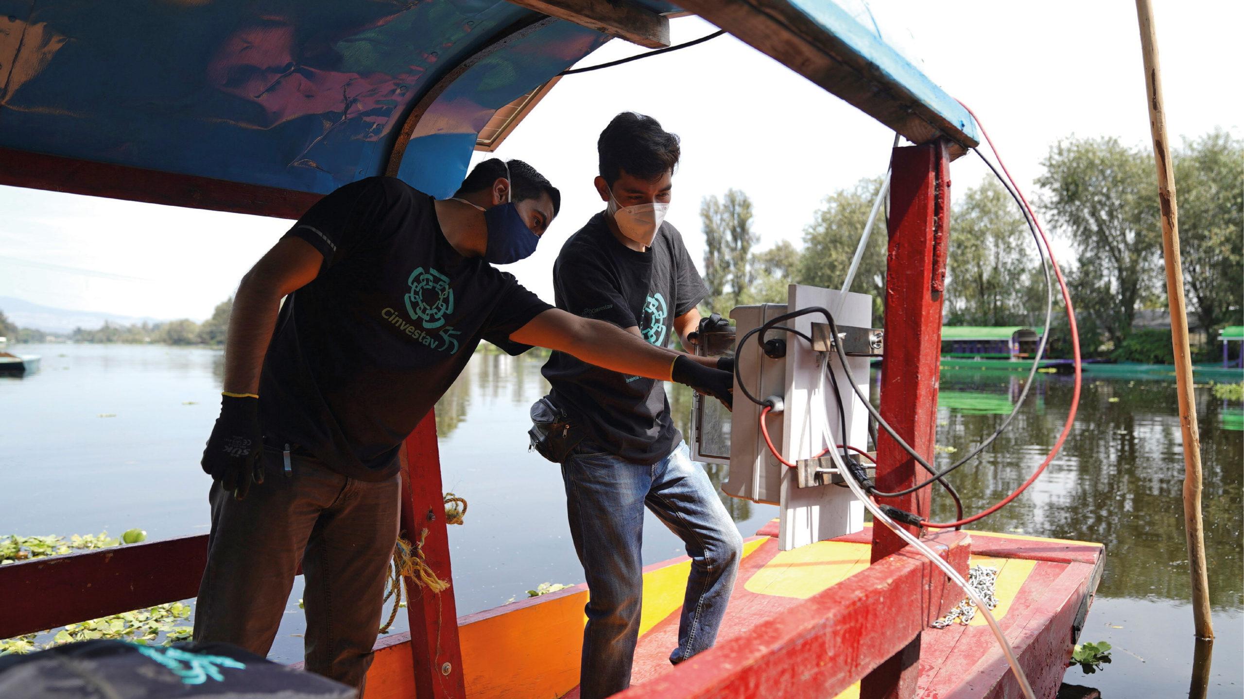 Científicos utilizan 'nanoburbujas' para limpiar los canales de Xochimilco