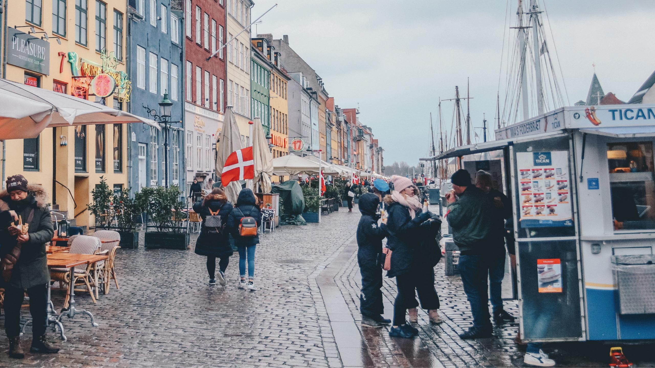 Dinamarca descarta regresar a restricciones por la pandemia