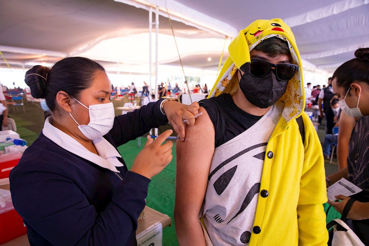 Adolescentes con comorbilidades recibirán vacuna contra Covid-19 en CDMX; aquí los detalles