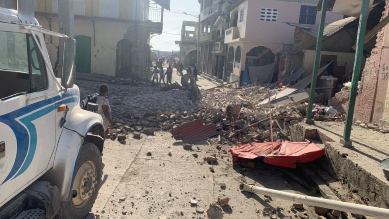México se solidariza con Haití tras el terremoto