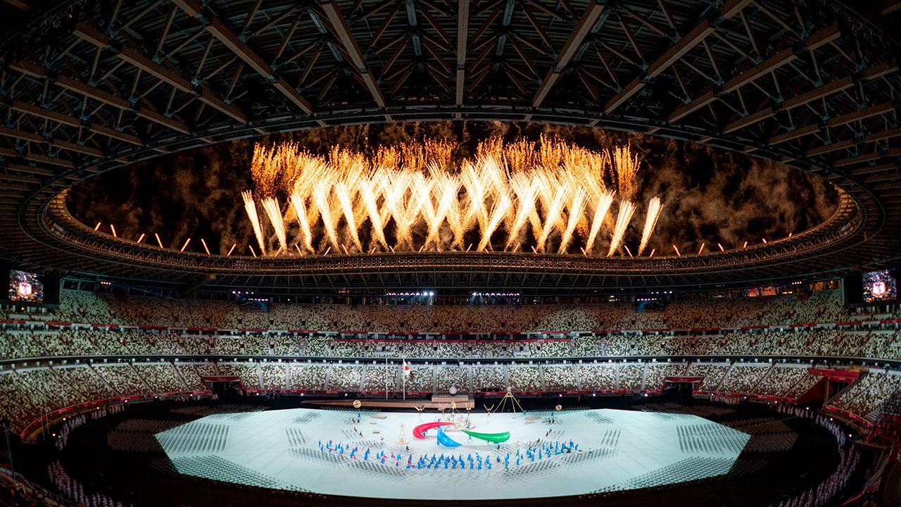 El cielo de Tokio se ilumina durante inauguración de los Juegos Paralímpicos
