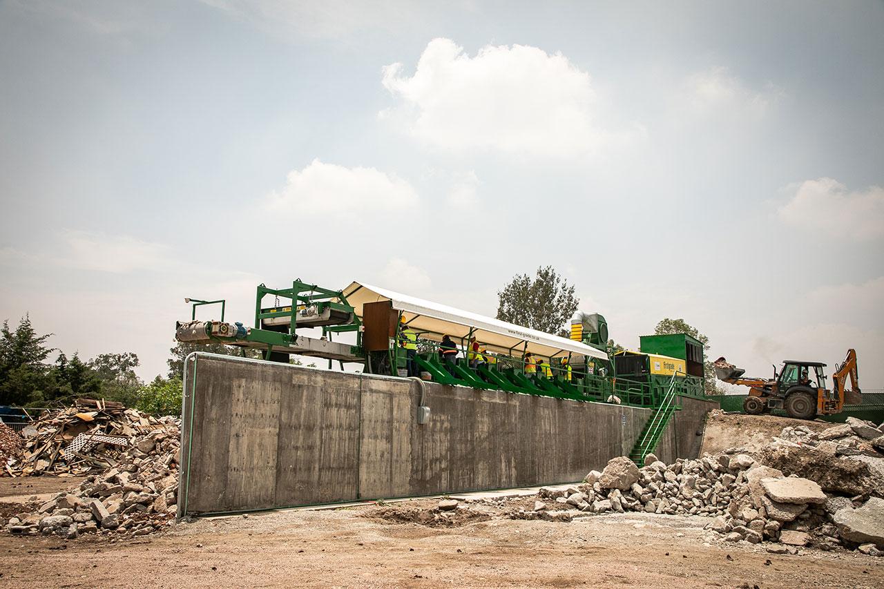 Con planta de reciclaje de cascajo en CDMX, sacan dinero de debajo de las piedras