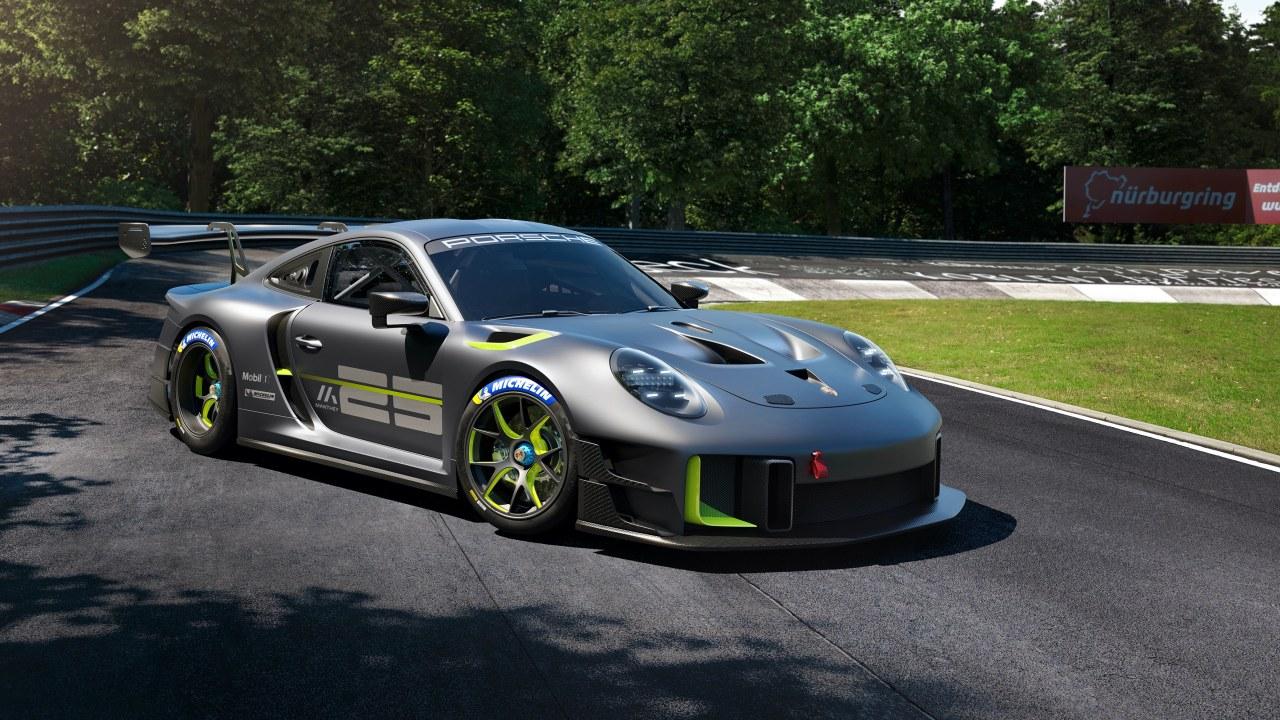 Porsche presenta un auto de carreras que evoca grandes triunfos