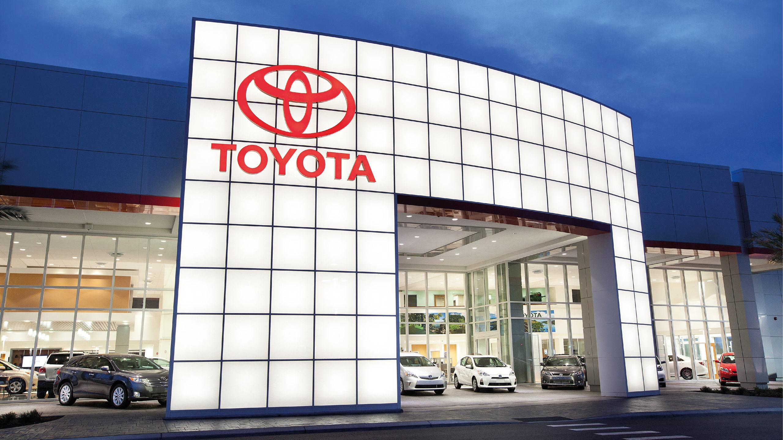 Toyota recortará 40% su producción de septiembre por escasez de chips