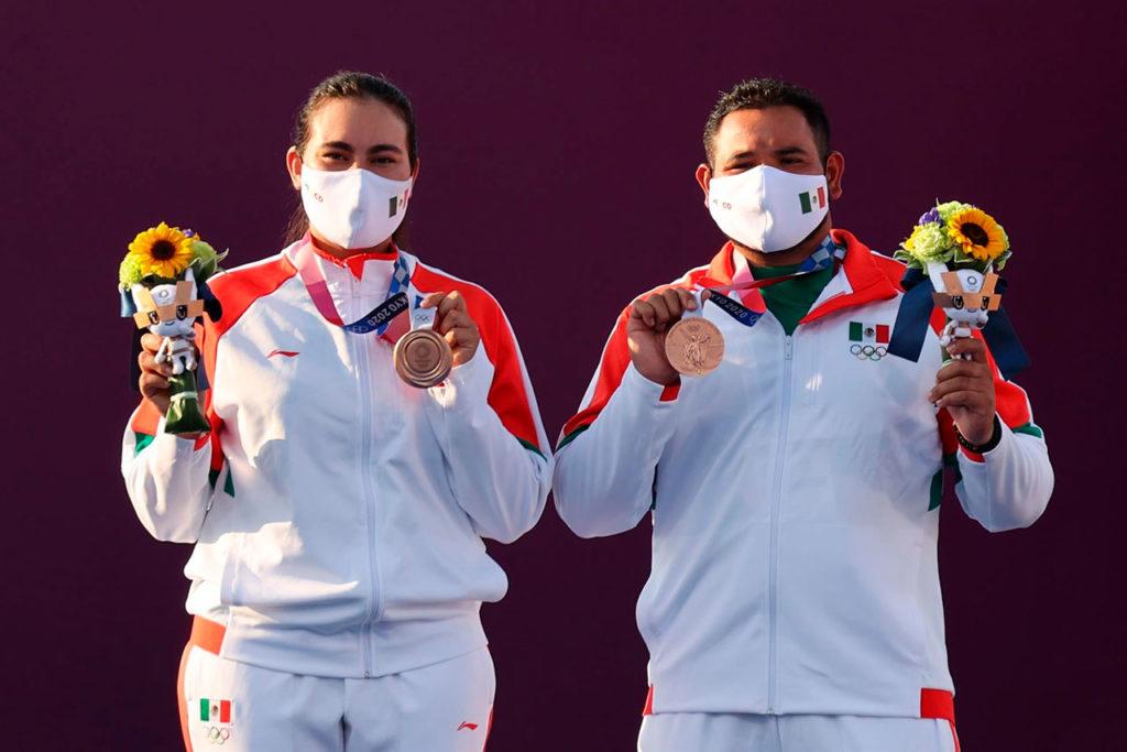 Alejandra Valencia y Luis Álvarez