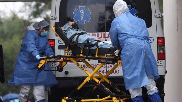 Paciente con covid-19 en ambulancia
