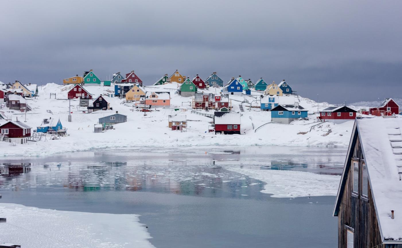 Lluvia alcanza hielo de Groenlandia por primera vez y provoca enorme derretimiento