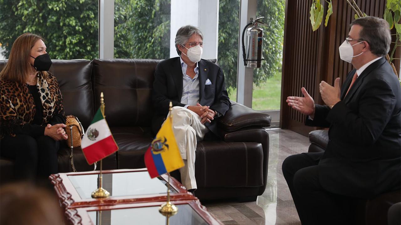 México comienza a conceder visados a ecuatorianos de forma ordenada