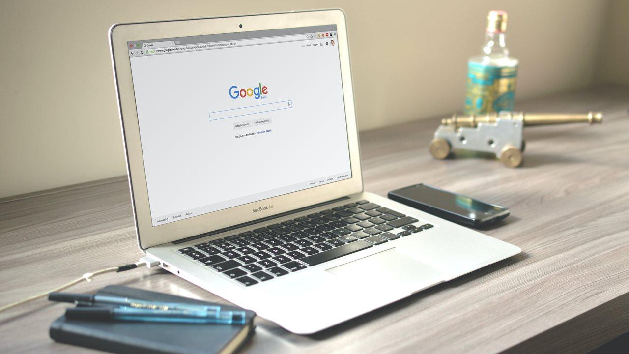Google plantea bajar salario a empleados en home office
