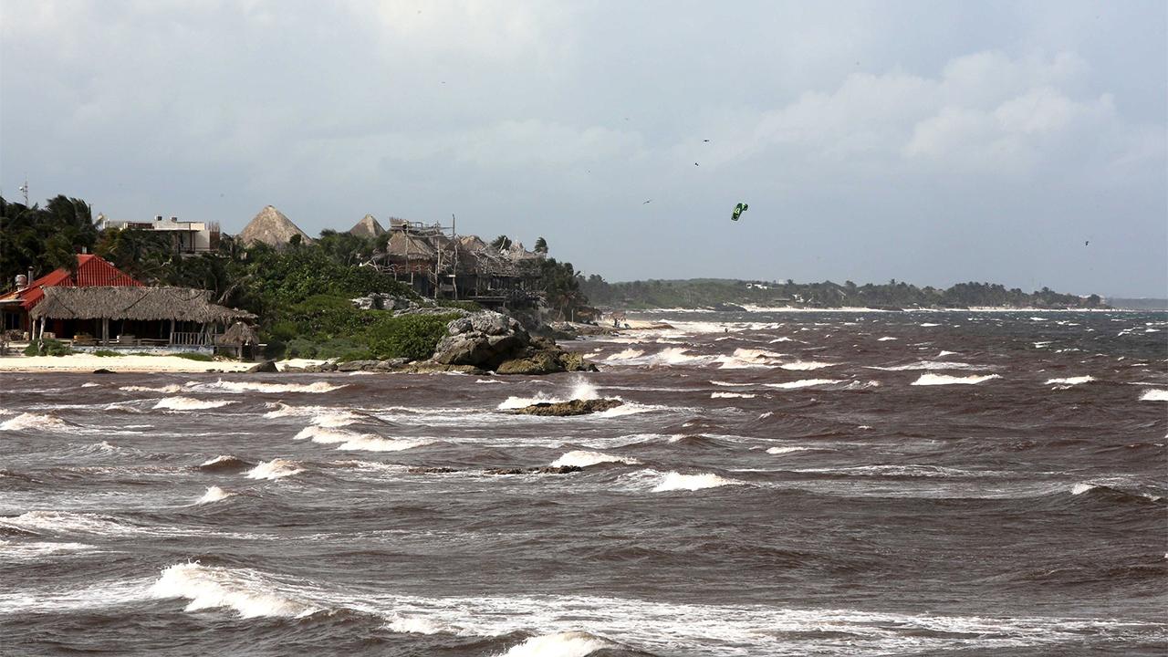 Grace se debilita a tormenta tropical, pero volvería a ser huracán el viernes