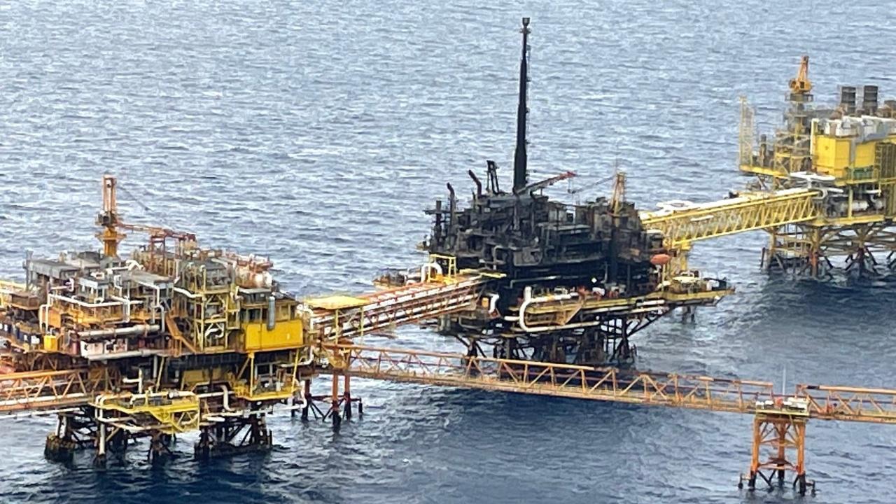 Explosión dificultará a Pemex cumplir meta de producción: Fitch