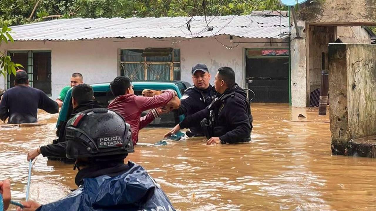 Grace deja al menos 8 fallecidos e inundaciones tras su paso por Veracruz