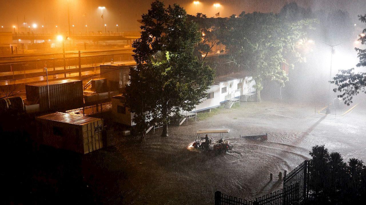 Alcalde declara estado de emergencia en NY por las inundaciones