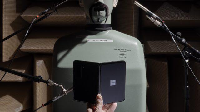 Microsoft no se rinde con los smartphones de doble pantalla; lanza Surface Duo 2