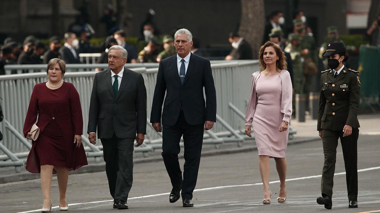 AMLO pide 'respetuosamente' a EU levantar bloqueo económico a Cuba