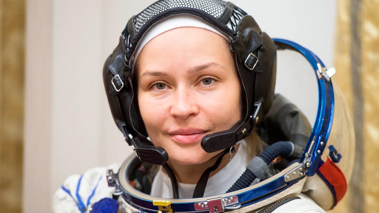 Actriz rusa realiza último ensayo antes de rodar el primer film en el espacio