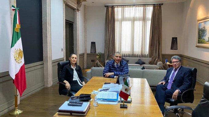 Monreal revisa agenda legislativa con Sheinbaum y secretario de Gobernación