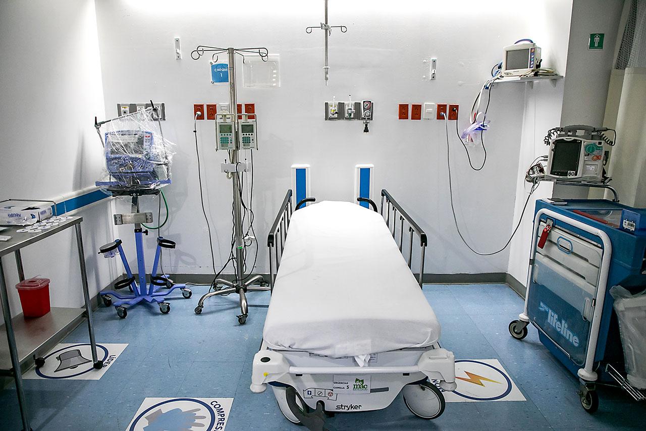Estudios innecesarios, altos precios de medicamentos: los excesos de los hospitales privados