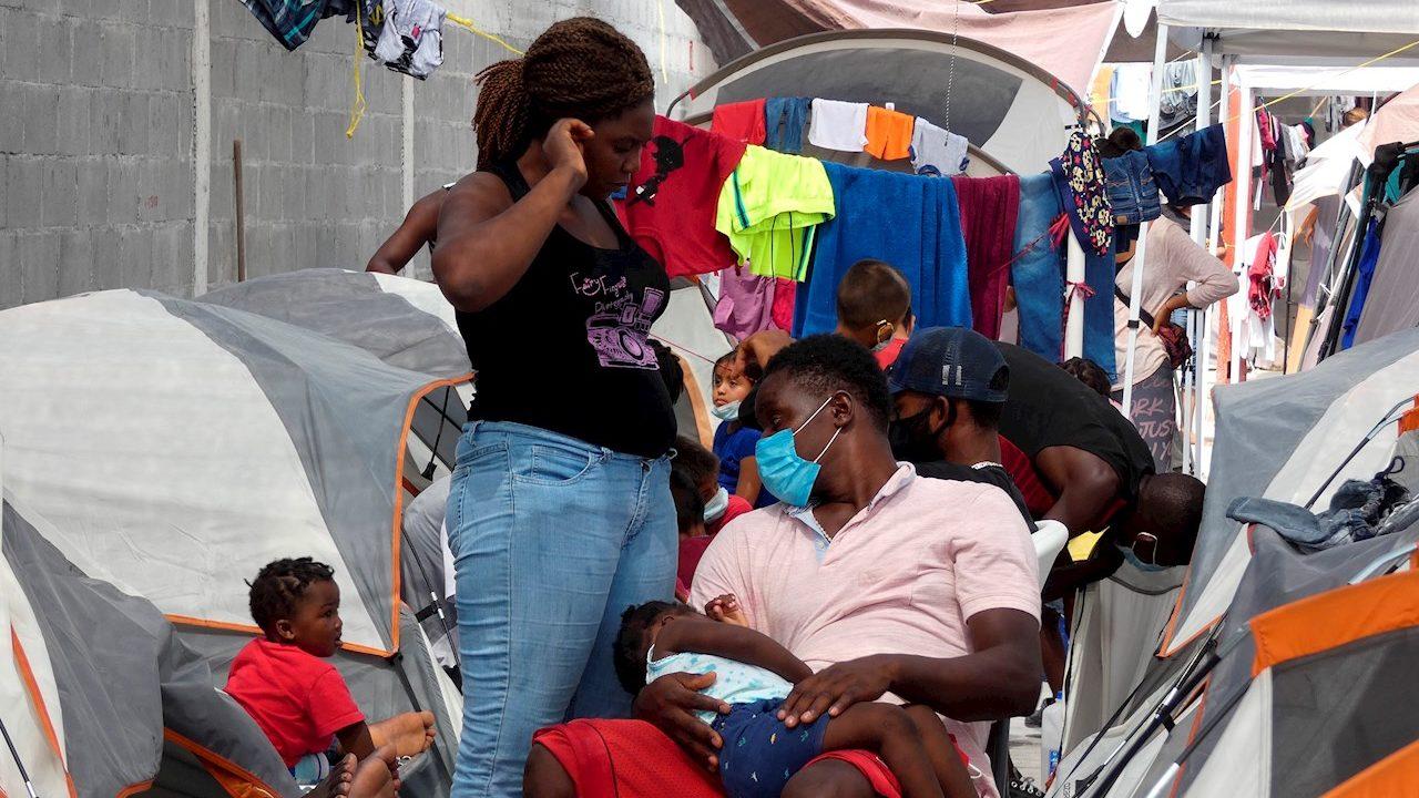 Llegada de migrantes haitianos satura albergues en Reynosa
