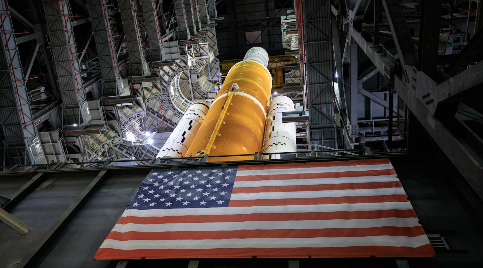 NASA revela imágenes del cohete más poderoso jamás construido: su destino, la Luna